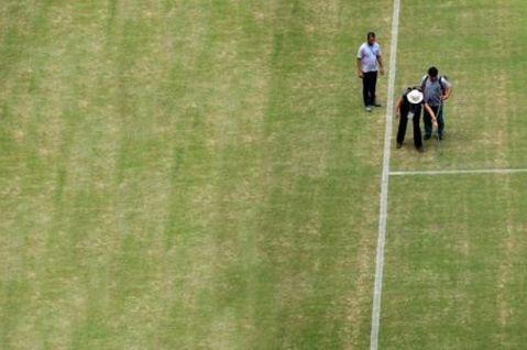 """""""O gramado iria envergonhar um time de oitava divisão inglesa"""""""